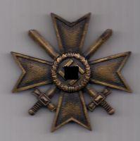 орден 1939 г. Крест за военные заслуги.